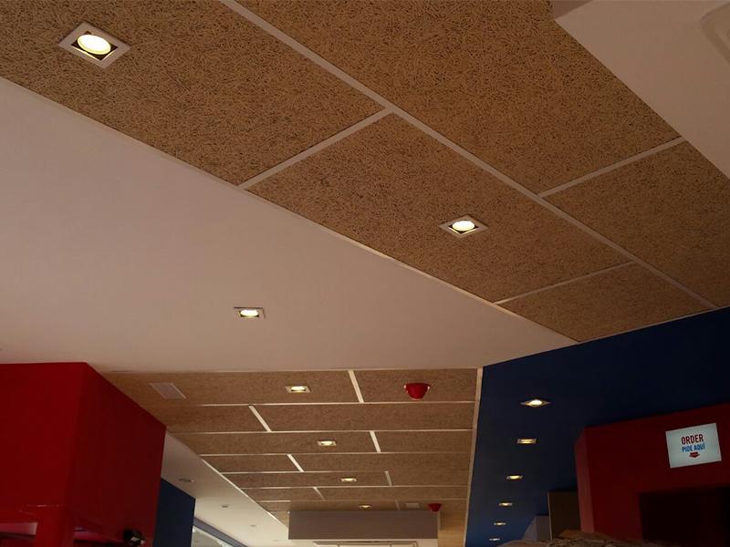 Insonorización de local mediante techo acústico